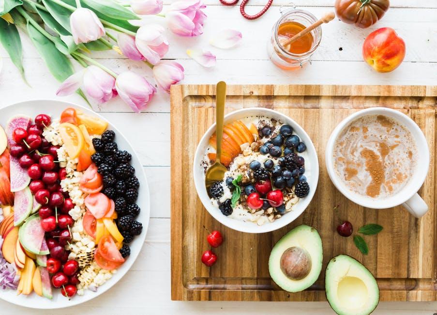 Zalety diety pudełkowej dowożonej do domu i pracy